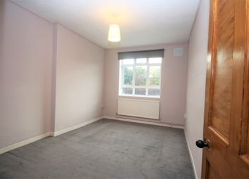 Thumbnail 1 bedroom flat to rent in Pitfield House, Highbury New Park, London