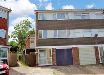 Thumbnail 4 bed town house for sale in Standring Rise, Boxmoor, Hertfordshire