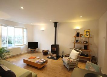 Thumbnail 2 bed flat for sale in Woodville Road, New Barnet, Hertfordshire