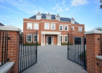 Thumbnail 6 bedroom property to rent in Parkstone Avenue, Hornchurch