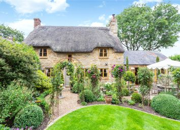 Duck End, Hinton In The Hedges, Northamptonshire NN13. 3 bed detached house