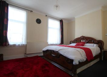 Thumbnail 1 bed flat to rent in Lawrence Road, East Ham