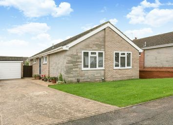 Thumbnail 3 bed bungalow for sale in Hungerford Drive, Furze Platt, Maidenhead, Berks