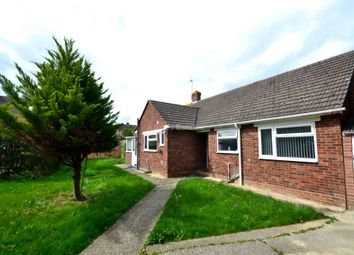 Thumbnail 3 bedroom bungalow to rent in Water Road, Tilehurst, Reading