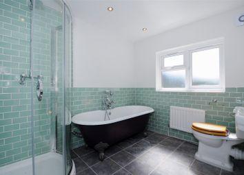 Thumbnail 3 bedroom maisonette for sale in Drayton Park, London