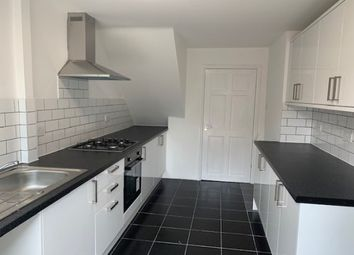 2 bed property to rent in Clickett Hill, Basildon SS14