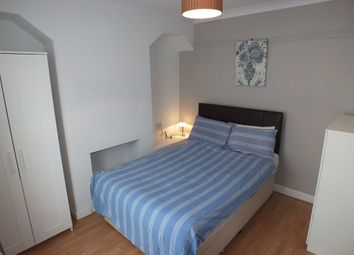 Thumbnail Room to rent in Shaftesbury Road, Reading, Berkshire