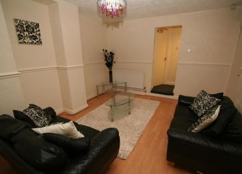Thumbnail 4 bed flat to rent in Flat 1, 207 Hyde Park Road, Hyde Park