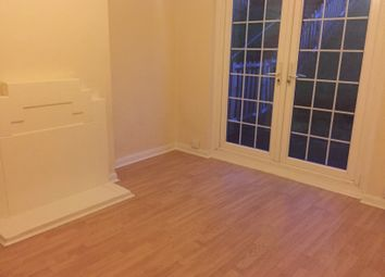 Thumbnail 2 bed flat to rent in Gainsford Road, Southampton