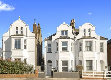 Thumbnail 2 bed flat to rent in Buckingham Road, Alexandra Palace, London