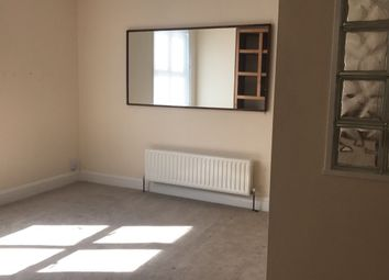 Thumbnail 1 bed flat to rent in 12 Rock Street, Brighton