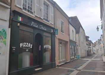 Thumbnail Pub/bar for sale in St-Gaultier, Indre, France