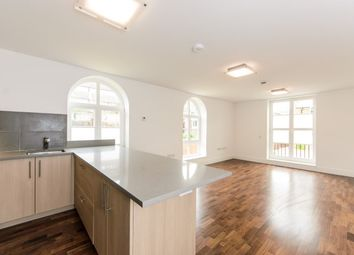Thumbnail 1 bed flat to rent in North Road, Brentford