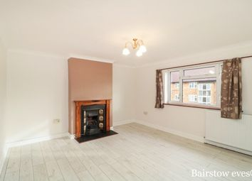 Thumbnail 3 bedroom flat to rent in Heathcote Avenue, Clayhall, Ilford