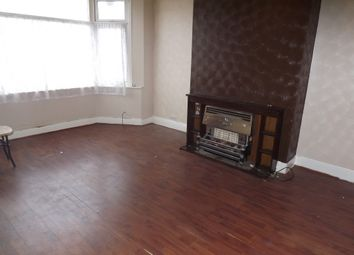Thumbnail 3 bed flat to rent in London Road, Leigh On Sea