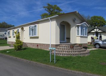 Thumbnail 2 bedroom mobile/park home for sale in Pilgrims Retreat (Ref 5594), Harrietsham, Maidstone, Kent