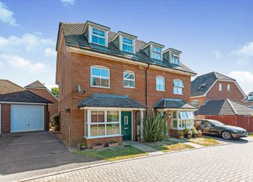 4 bed town house for sale in Dean Way, Storrington RH20