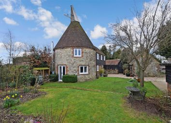 East Hall Hill, Boughton Monchelsea, Maidstone, Kent ME17. 3 bed detached house