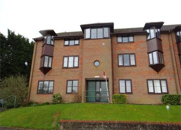 Thumbnail Flat to rent in Cameron Road, Chesham, Buckinghamshire