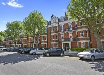 Thumbnail 3 bedroom flat to rent in Castellain Road, London