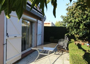 Thumbnail 2 bed detached house for sale in Midi-Pyrénées, Tarn-Et-Garonne, Castelsarrasin