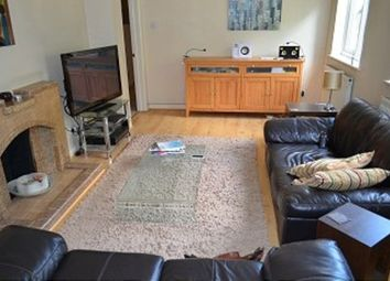 2 bed maisonette to rent in High Street, London N14