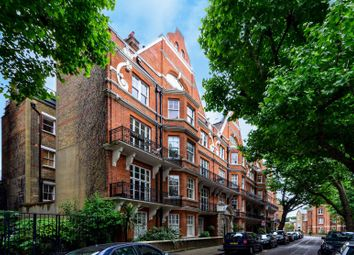 Thumbnail 2 bed flat to rent in St Loo Avenue, Chelsea