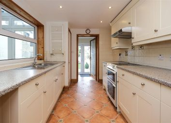 2 bed property to rent in West Avenue, Bath BA2