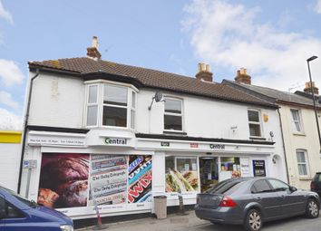 Thumbnail 2 bed flat to rent in Hunnyhill, Newport