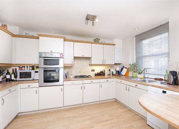Thumbnail 2 bed flat to rent in Hillgate Place, London