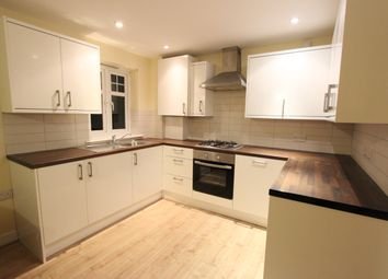 2 bed flat to rent in Westfield Lane, Harrow HA3