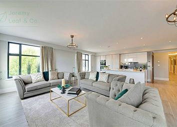 Thumbnail 3 bed flat for sale in Dollis Park, Finchley Central