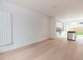 Thumbnail 3 bed flat to rent in London