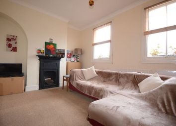 Thumbnail 1 bed flat to rent in Grove Road, Windsor