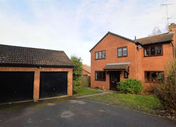 Thumbnail 4 bed detached house for sale in Lamden Way, Burghfield Common, Reading