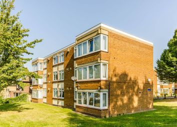 Thumbnail 2 bed flat to rent in Love Lane, Chigwell