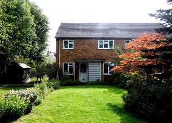 Thumbnail 2 bed flat to rent in Gordon Road, Enfield