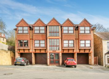 Thumbnail 2 bed flat for sale in Temple Road, Croydon
