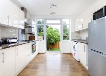 Thumbnail 2 bed flat to rent in Paddock Road, London