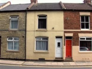 Thumbnail 4 bed shared accommodation to rent in St Andrews Road, Northampton