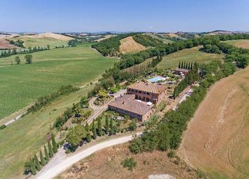 Thumbnail 12 bed farmhouse for sale in Arezzo, Arezzo (Town), Arezzo, Tuscany, Italy