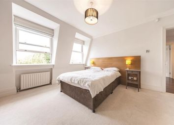 Thumbnail 3 bedroom flat for sale in Clapham Common South Side, London
