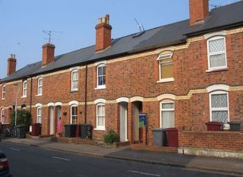 Thumbnail 2 bedroom terraced house to rent in Regent Street, Reading