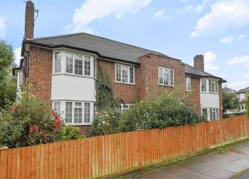 2 bed flat to rent in Springfield Road, London SW19