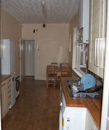 Thumbnail 6 bed property to rent in Fosse Road South, Leicester