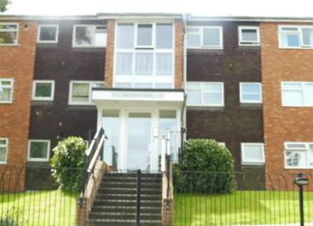 Thumbnail 2 bed flat to rent in Paddockhall Road, Haywards Heath