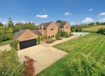 Thumbnail 5 bed farmhouse for sale in Bicester Road, Kingswood, Aylesbury