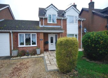 Thumbnail 3 bed link-detached house for sale in Leadenhall Road, Holbeach, Spalding