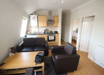 2 bed flat to rent in Lea Bridge Road, Leyton, London E10