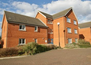 Thumbnail 2 bed flat to rent in Worthing Close, Grays